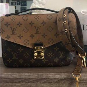 Louis Vuitton Pochette Metis Reverse Bag 💕